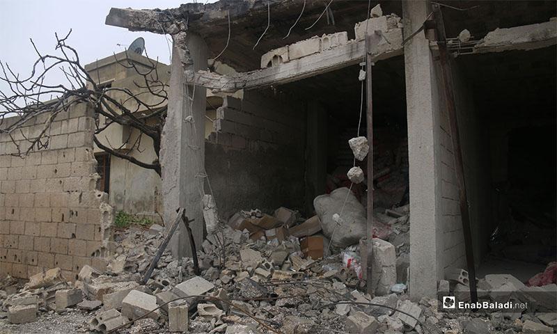 آثار القصف على بلدة جرجناز جنوب شرقي إدلب 7 شباط 2019 (عنب بلدي)