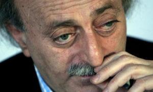 رئيس الحزب التقدمي الإشتركي اللبناني وليد جنبلاط (رويترز)