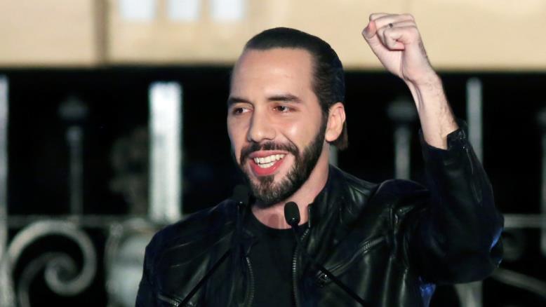 أبو كيلة شق طريقه للرئاسة ببرنامج لمكافحة الفساد والعصابات (رويترز)