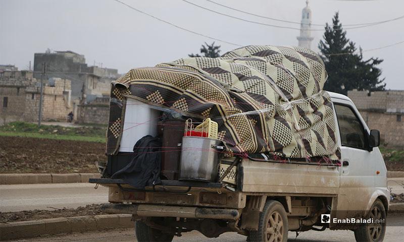 حالة نزوح جديدة في ريف حلب نتيجة القصف المدفعي والصاروخي إضافة لقصف الطيران الحربي على المنطقة -18 كاانون الثاني 2020 (عنب بلدي )