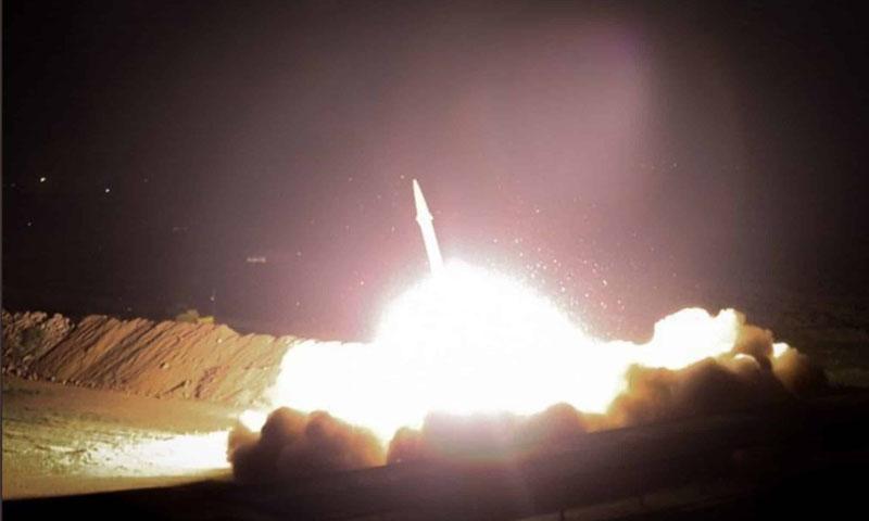 إطلاق صاروخ إيراني على قاعدة عسكرية أمريكية - 8 كانون الثاني 2020 (وكالات إيرانية)