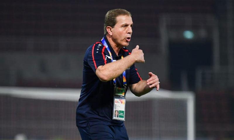 المدرب أيمن حكيم من مباراة سوريا والسعودية في كأس آسيا تحت 23 عامًا 15 كانون الثاني 2019 (موقع الاتحاد الآسيوي لكرة القدم)