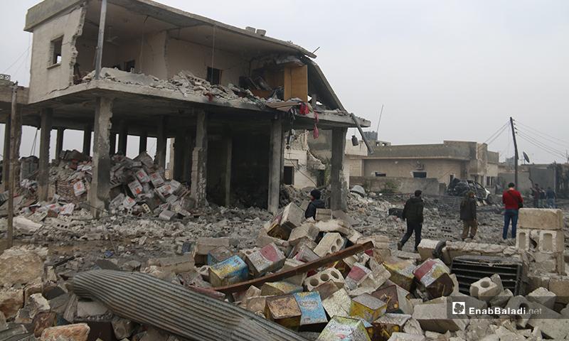 آثار القصف على بلدة الجينة بريف حلب الغربي - 20 من كانون الثاني 2020 (عنب بلدي)