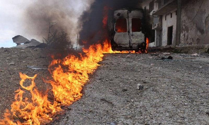 سيارة الإسعاف التي حرقت في غارة جوية استهدفت فريق الدفاع المدني الذي كان يحاول إسعاف ضحايا الغارة الجوية التي حدثت في أريحا- 23 كانون الثاني (الدفاع المدني)
