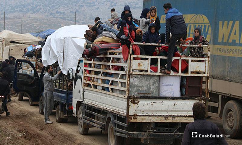 نزوح عائلات من ريف حلب الغربي نتيجة قصف االنظام ورةسيا للمناطق السكنية - 18 كانون الثاني 2020 (عنب بلدي)