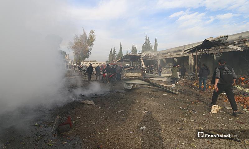 آثار القصف على سوق الهال في مدينة إدلب - 15 من كانون الثاني 2020 (عنب بلدي)