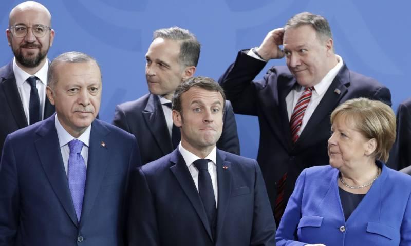 اجتماع عدد من زعماء مؤتمر برلين حول ليبيا في برلين - 19 كانون الثاني 2020 (AP)