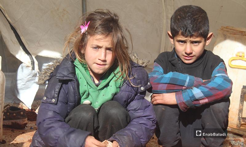إنشاء مخيم جديد على أطراف قرية كفتين في محافظة إدلب 10 من شباط 2020 (عنب بلدي)
