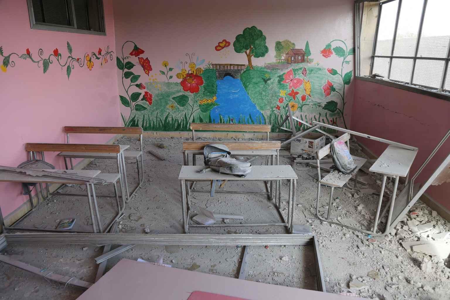 لقد دمر القصف أماكن اعتقد الأطفال أنها آمنة، أماكن يجب أن تكون آمنة، مثل: المدارس والمستشفيات والملاعب والحدائق العامة ومنازل الأطفال الخاصة- تشرين الثاني 2016 (يونيسيف)