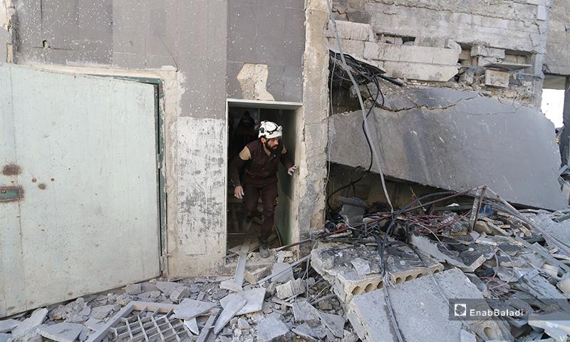 آثار الدمار الذي خلفه قصف الطيران الروسي على مشفى كنانة في مدينة دارة عزة غربي حلب 17 من شباط 2020 (عنب بلدي)