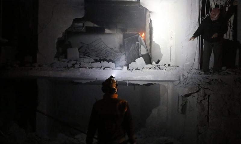 آثار قصف الطيران الحربي الروسي بالصواريخ الفراغية على بلدة ترمانين شمالي إدلب - 18 شباط 2020 (الدفاع المدني)
