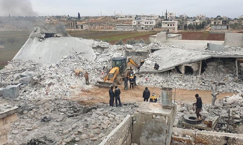 تهدم منازل في ريف حلب الغربي بعد قصف بالصواريخ الفراغية من الطيران الحربي الروسي - 12 شباط 2020 (الدفاع المدني)