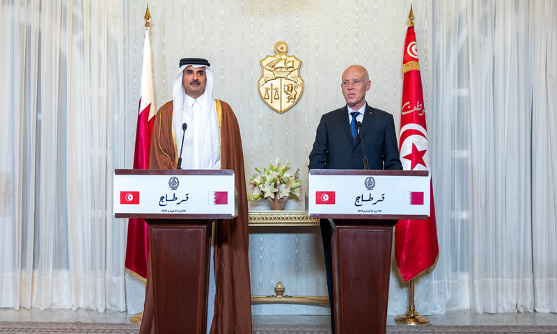 الرئيس لتونسي قيس سعيد، وأمير دولة قطر تميم بن حمد خلال زيارة الأخير إلى تونس - 24 شباط 2020 (قنا)