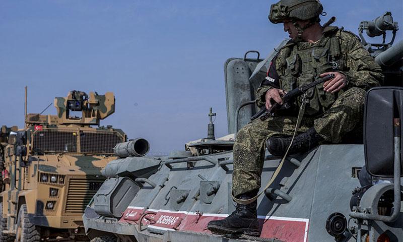 دورية روسية تركية في شمال شرقي سوريا (إنتر فاكس)