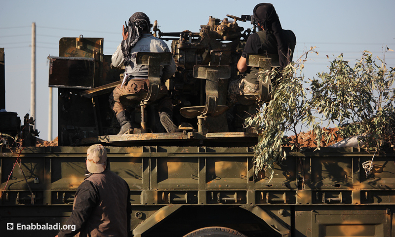مقاتلون من جيش الفتح حلال معارك ريف حلب الجنوبي - 1 نيسان 2016 (عنب بلدي)