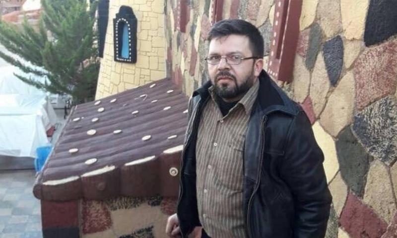 """مدير مشفى """"الشامي"""" في مدينة اريحا جنوبي إدلب، الدكتور زكوان طماع، الذي توفي بغارات جوية استهدفت المشفى في 29 من كانون الثاني، (زكوان طماع/فيس بوك)"""