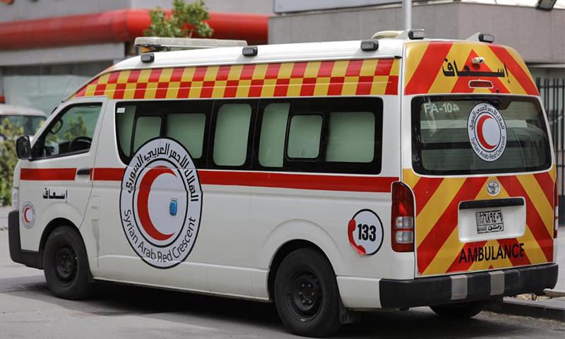 """سيارة إسعاف """"الهلال الأحمر السوري""""، والتي نشترها المنظمة على صفحتها عبر """"فيس بوك""""، لتبرير أنها ليست نفس السيارة التي نقلت الجند- 5 من آذار (الهلال الأحمر/فيس بوك)."""