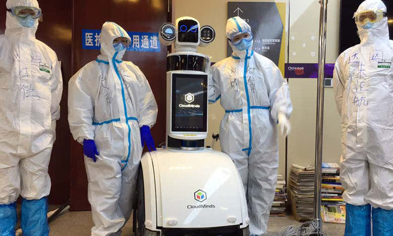 روبوتات تحل محل فريق طبي في ووهان بالصين (NEWS SCICENTIST)