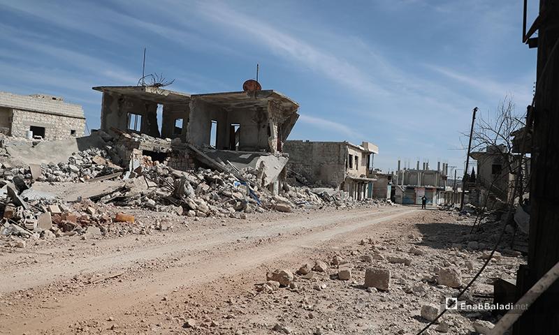 القرى الواقعة جنوبي الطريق الدولي M4 خالية من سكانها 11 من آذار 2020 (عنب بلدي)