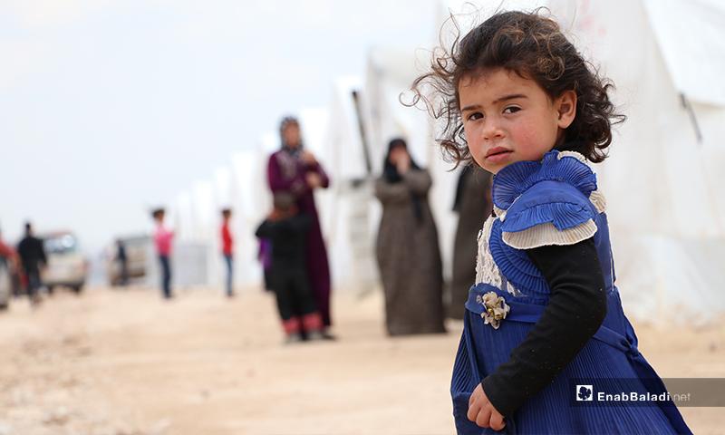 نازحون في مخيم الأزرق التابع لمدينة الباب بريف حلب- 25 من آذار (عنب بلدي)