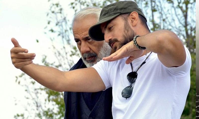 الممثل يمن زيدان والمخرج جود سعيد أثناء تصوير فيلم درب الهوا (الصفحة الرسمية للفيلم في فيس بوك)