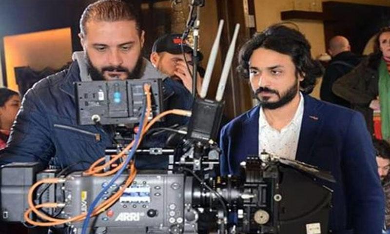 المخرج بااسم سلكان من تصوير مسلسل بورتريه (سانا)