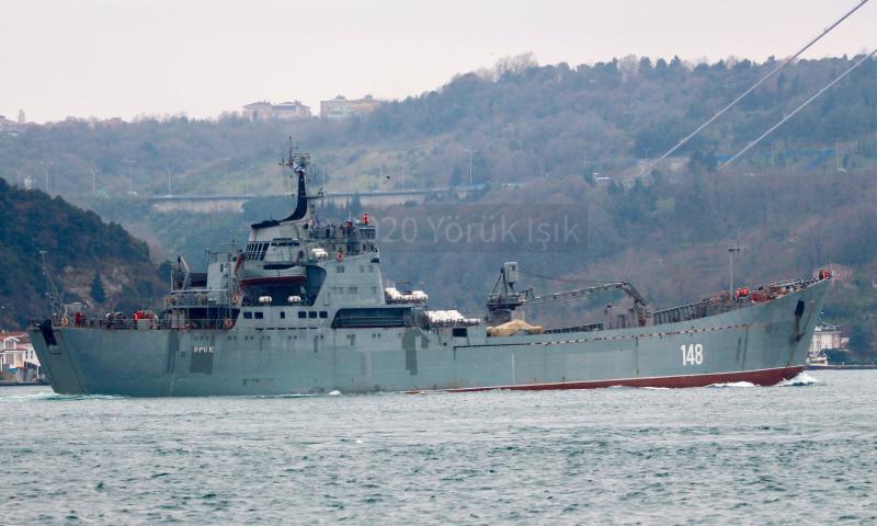 سفينة الإنزال البحري أورسك من طراز تايبر الروسية تتجه إلى ميناء طرطوس السوري - 22 آذار 2020 (مرصد البوسفور)