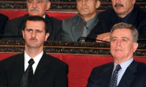 عبد الحليم خدام نائب الرئيس السوري السابق، ورئيس النظام السوري الحالي بشار الأسد (رويترز)