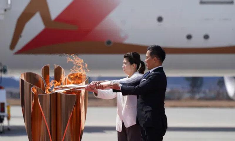 الشعلة الأولمبية في اليابان 20 من آذار 2020 (نيويورك بوست)