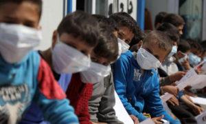 أطفال نازحون في ريف إدلب يتدربون على التعاطي مع كورونا