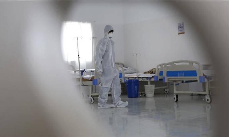 إجراءات احترازية صحية في منطقة حضرموت جنوب اليمن في 10 من نيسان لعام 2020 - (الأناضول)