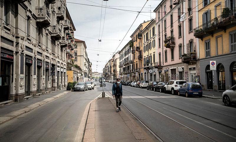 شارع فارغفي في منطقة نافيجلي في ميلانو بإيطاليا(NEW YORK TIMES)