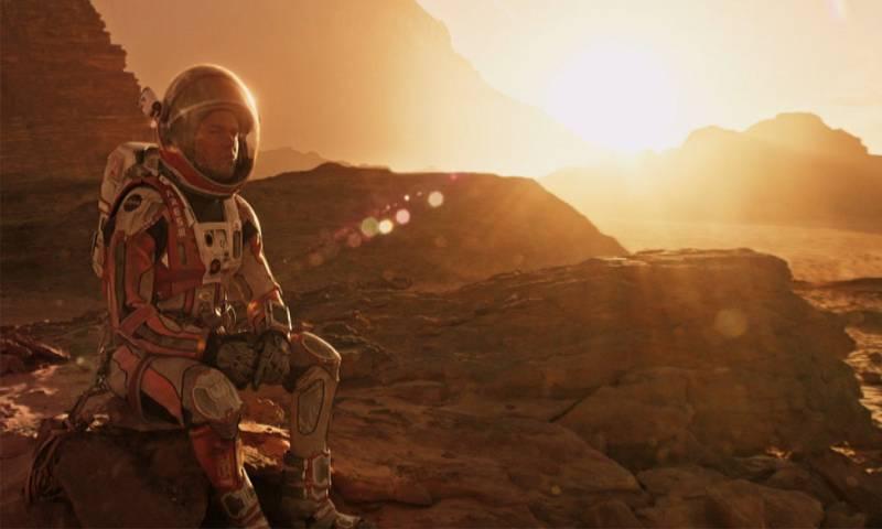 """مشهد من فيلم """"The Martian"""" إنتاج عام 2015"""