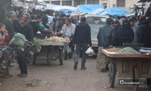 حركة الشراء في سوق مدينة إدلب- 7 من نيسان (عنب بلدي)