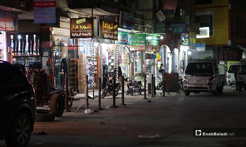 محلات تجارية في ليلة رمضان بمدينة الباب بريف حلب- 23 من نيسان (عنب بلدي)