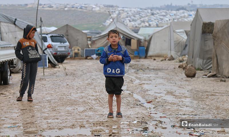 طفل بمخيم بريف حلب- 24 من نيسان (عنب بلدي)