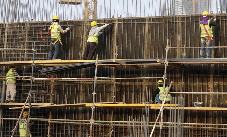 العمالة في السعودية(رويترز)