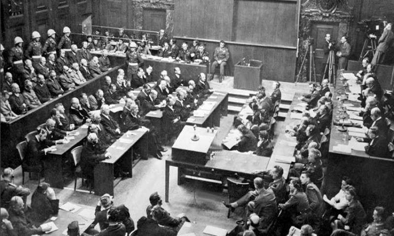 """محاكمات """"نورنبيرغ"""" بعد انتهاء الحرب """"العالمية الثانية"""" بين عامي 1945 و1946 - (ويكي مصدر)"""