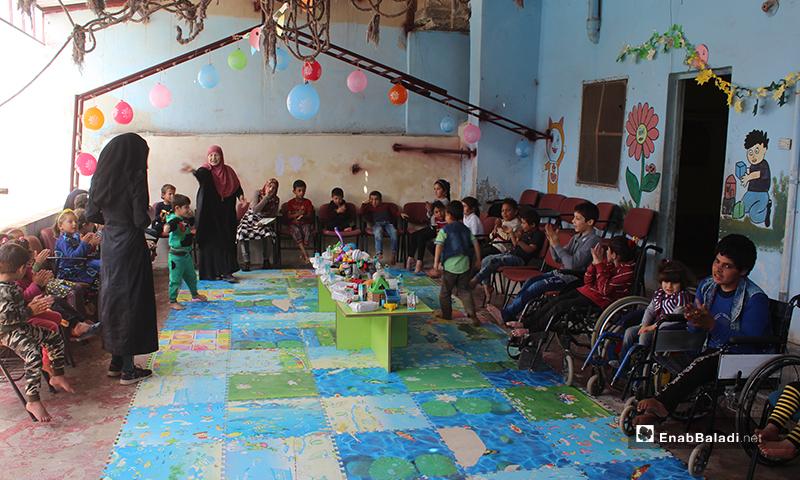 نزحت أم وسيم من حلب تاركة خلفها مدرسة أنشأتها كانت تضم 70 طفلًا من ذوي الإعاقة