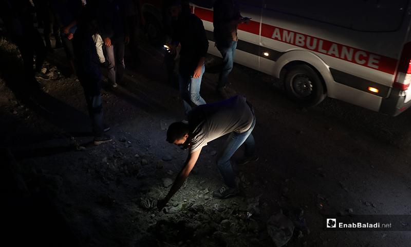معاينة مكان انفجار عبوة ناسفة في مدينة الباب - 14 أيار 2020 (عنب بلدي/ عاصم ملحم)