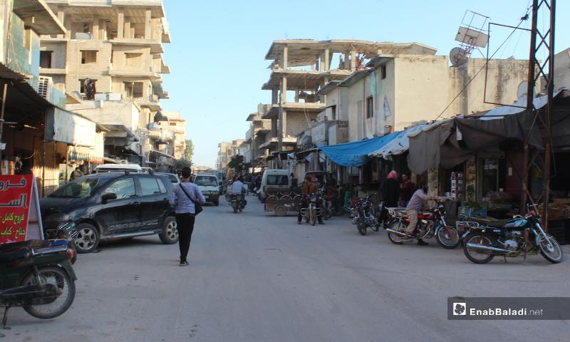 الشارع الرئيسي في بلدة سرمين بريف إدلب الشرقي قبل الإفطار- 8 من أيار (عنب بلدي)