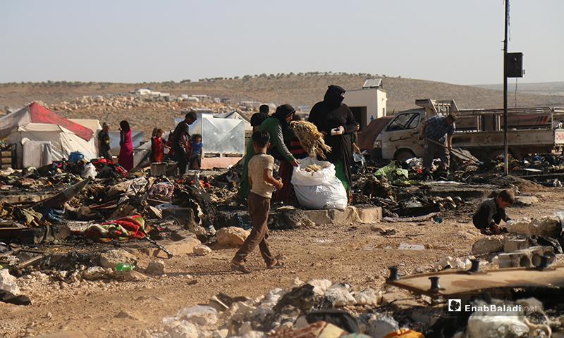 ليسوا وحدهم، بل يتوزع ألف و277 مخيمًا في شمال غربي سوريا- 17 من أيار (يوسف غريبي/عنب بلدي).