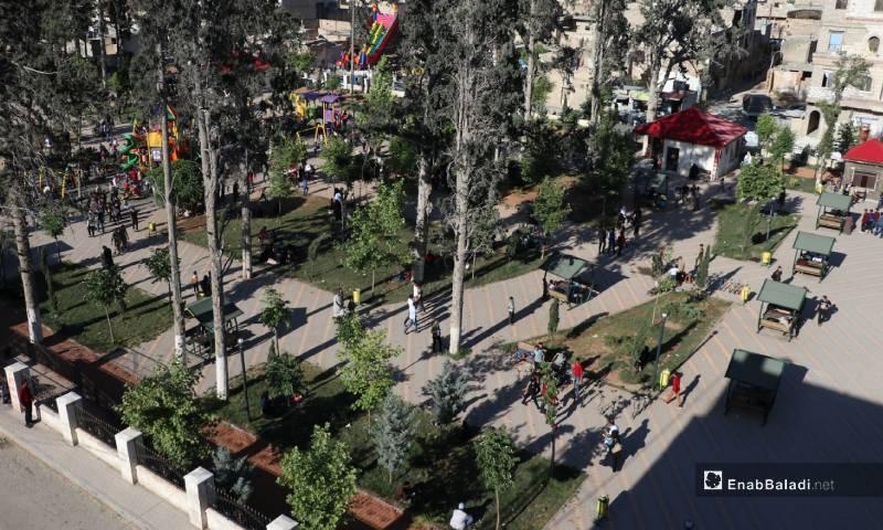 """حديقة """"الشعب"""" في مدينة الباب شرقي حلب 26 من أيار 2020 (عنب بلدي)"""
