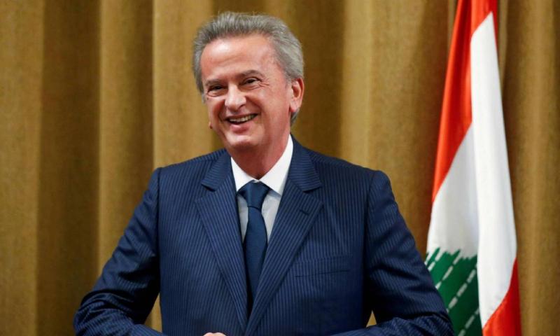 حاكم مصرف لبنان المركزي، رياض سلامة خلال مؤتمر صحفي في بيروت - تشرين الثاني 2019 (رويترز)