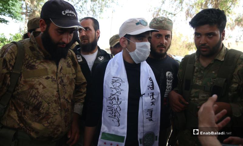 أحد الأسرى الأربعة الذين أفرج عنهم اليوم خلال عملية تبادل أسرى بين هيئة تحرير الشام وقوات النظام في دارة عزة - 16 أيار 2020 (عنب بلدي/ يوسف غريبي)