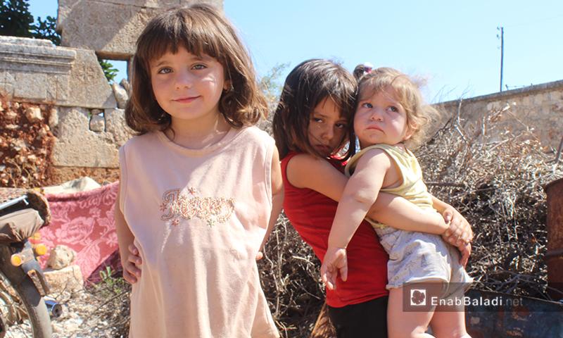 أطفال في قرية عرشين بجبل السماق بريف إدلب الشمالي - 17 حزيران 2020 (عنب بلدي/ إياد عبد الجواد)