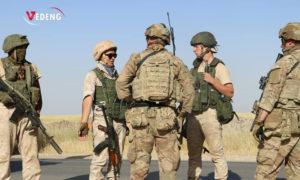جنود روس وأمريكان يتحاورون بعد جدل حول إنشاء روسيا قاعدة في قرية قصر ديب - 3 حزيران 2020 (صدى الواقع السوري)