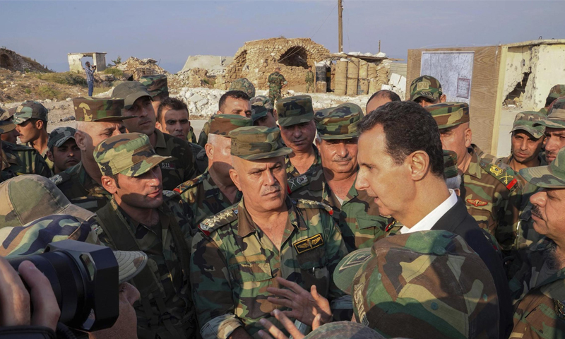 رئيس النظام السوري مع ضباط من جيشه - 22 تشرين الأول 2019 (رئاسة الجمهورية )