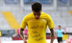 الإنجليزي جادون سانشو لاعب بروسيا دورتموند يتضامن مع جورج فلويد (إنسايدر)