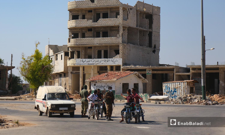 عزل مدينة سرمين في ريف إدلب الشمالي (عنب بلدي)